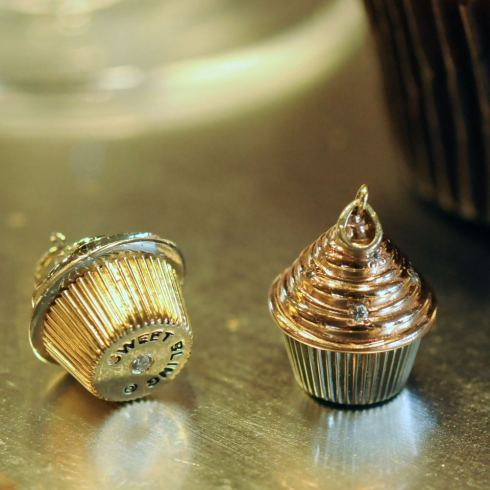 Swirl Top Cupcake Charm